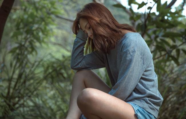 女性 憂鬱2